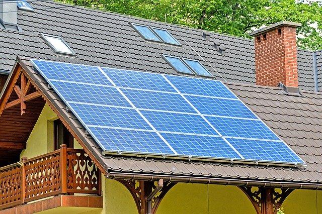 Czy instalacja paneli fotowoltaicznych się opłaca?