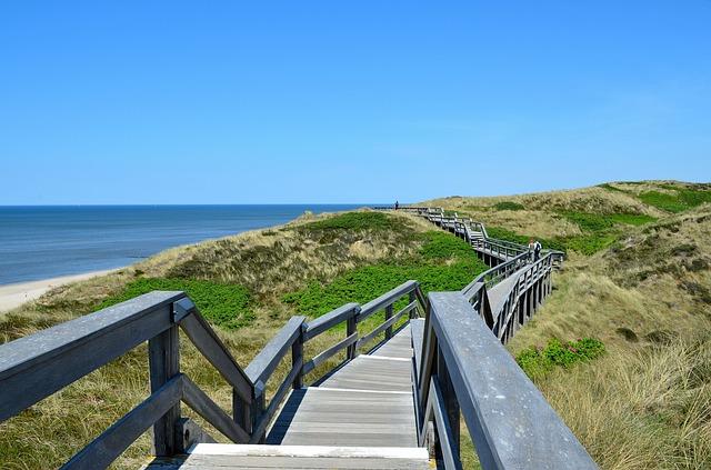 Na jakie wymagania formalne należy zwrócić uwagę budując schody?